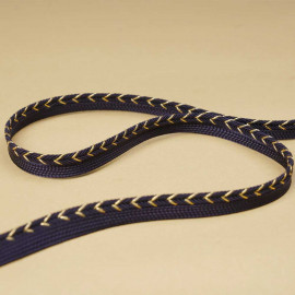 passepoil bleu marine tressé chevron doré | Pretty Mercerie | mercerie en ligne