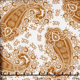 Tissu viscose blanc cassé à motif paisley bohème moutarde   Pretty Mercerie   Mercerie en ligne