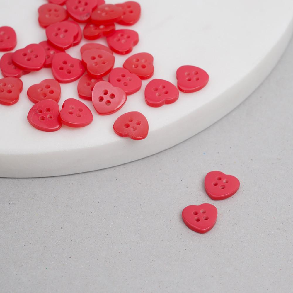 Bouton coeur rouge quatre trous 12mm | Pretty mercerie | mercerie en ligne