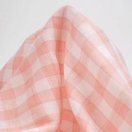 tissu double gaze de coton blanc à motif tissé vichy rose corail | pretty mercerie | mercerie en ligne