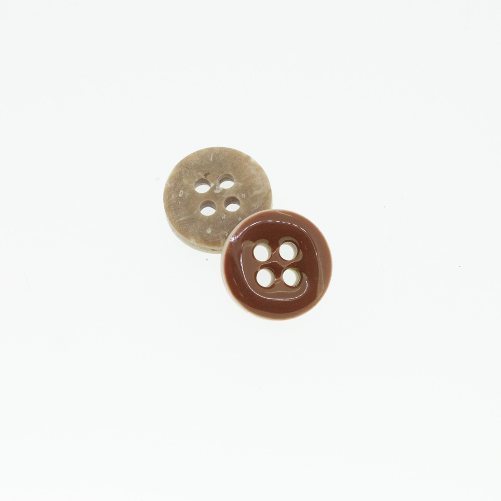 Bouton Polyester 4 trous tabac 10 mm